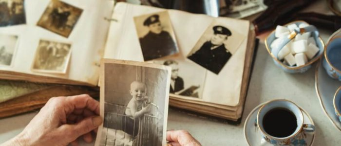 the-value-of-family-photography-family-tree-connection-of-generations-inheritance-memory-for_t20_rL1d8o (1)
